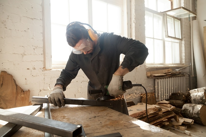 5 prendas de Ropa de Trabajo imprescindibles para tus proyectos