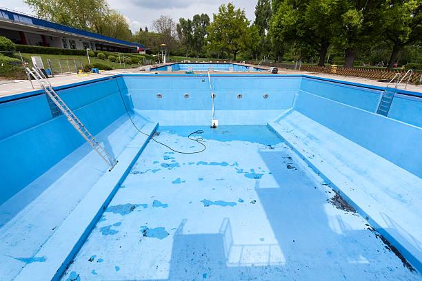 pintura-para-piscinas-mal-estado