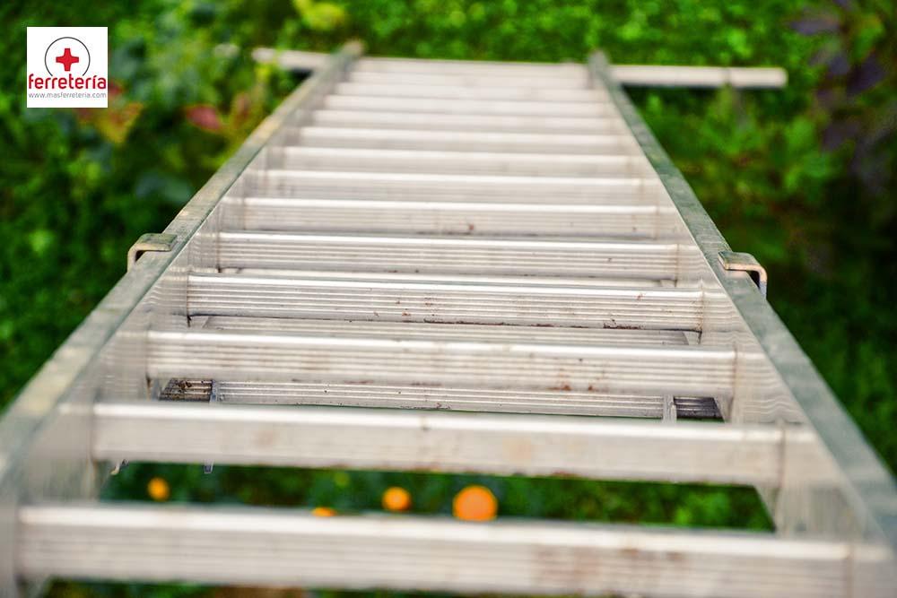 Escaleras de aluminio articuladas: la mejor elección para el hogar